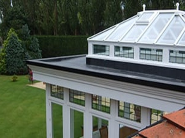 Rubber roof system for conservatories