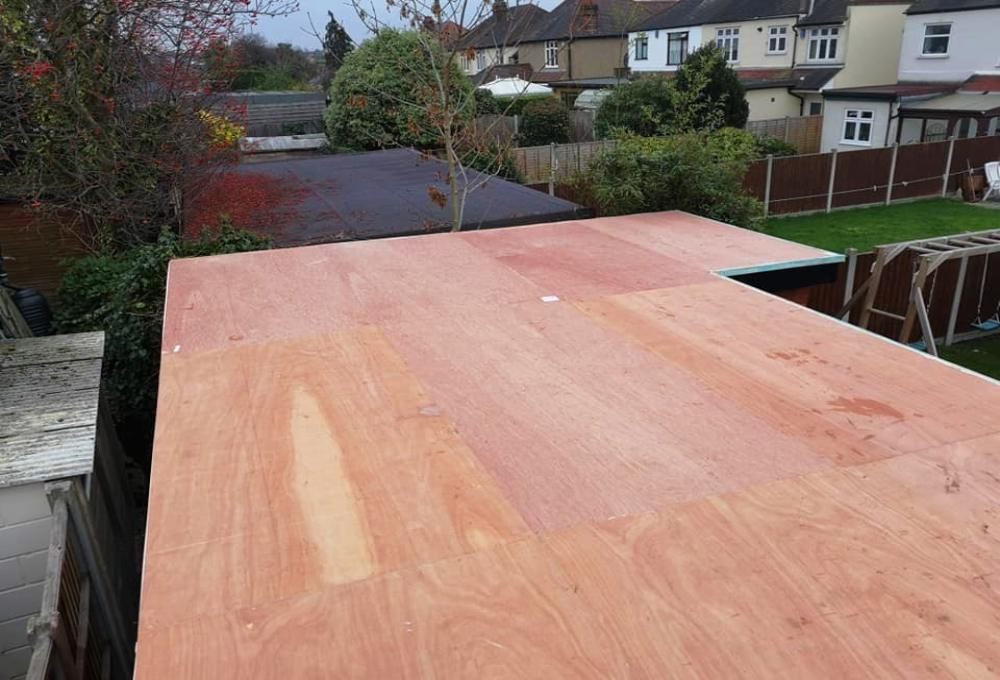 Single ply flat roofing